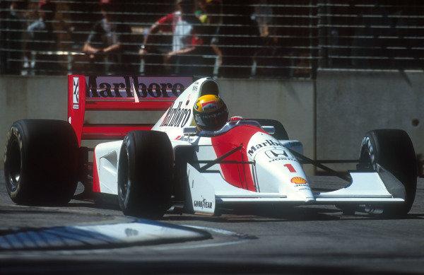 1992 Australian Grand Prix.Adelaide, Australia.6-8 November 1992.Ayrton Senna (McLaren MP4/7A Honda).Ref-92 AUS 31.World Copyright - LAT Photographic