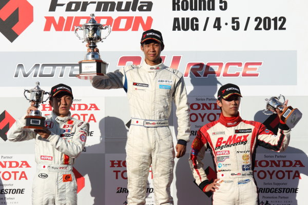 Motegi, Japan. 5th August 2012Rd 8 - Winner  Ryo Hirakawa ( #4 RSS ) 2nd position Tomoki Nojiri ( #8 HFDP RACING ) 3rd position Hideki Yamauchi ( #1 B-MAX ENGINEERING )  podium.World Copyright: Yasushi Ishihara/LAT Photographicref: Digital Image 2012JF3_Rd7&8_016