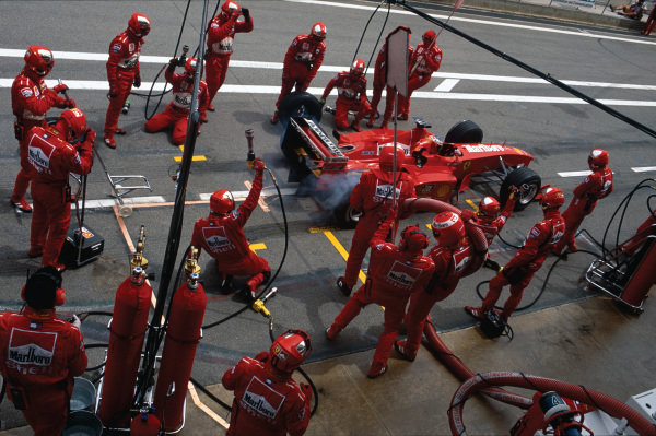 Catalunya, Barcelona, Spain. .28-30 May 1999. Michael Schumacher (Ferrari F399), 3rd position, pit stop action.  World Copyright: LAT Photographic. Ref:  99 ESP 12