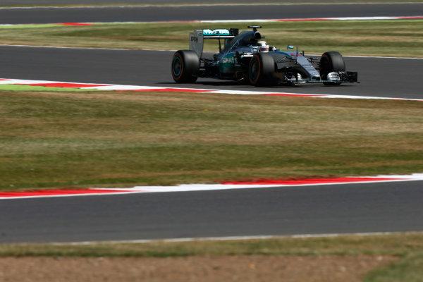 Silverstone Circuit, Northamptonshire, England. Friday 3 July 2015. Lewis Hamilton, Mercedes F1 W06 Hybrid.  World Copyright: Andrew Ferraro/LAT Photographic ref: Digital Image _FER0694