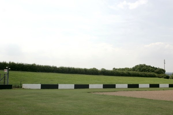 The Melbourne HairpinDonington Park Track Feature, Donington Park, England, 24 July 2008.