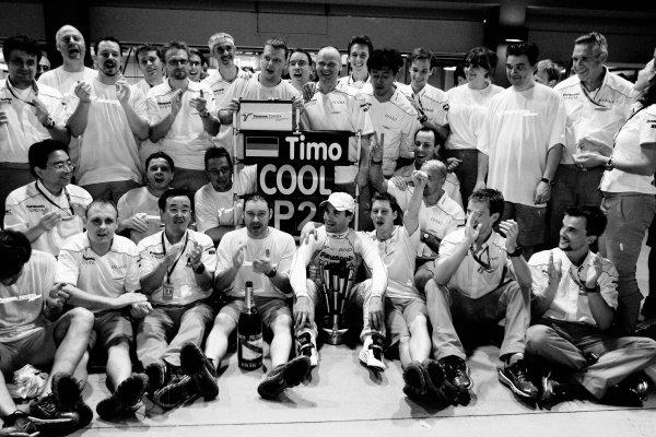 Toyota celebrate second position for Timo Glock (GER) Toyota. Formula One World Championship, Rd 14, Singapore Grand Prix, Race, Marina Bay Street Circuit, Singapore, Sunday 27 September 2009.