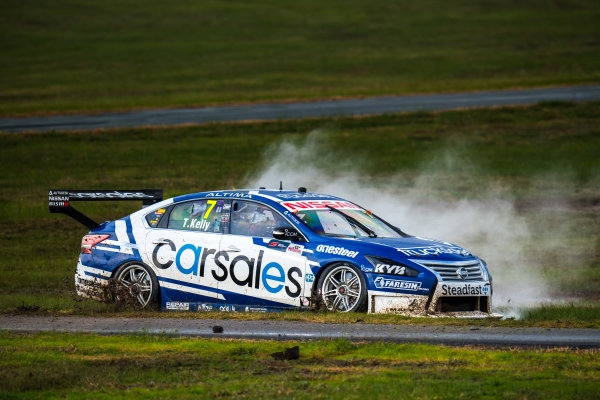 2017 Supercars Championship Round 5.  Winton SuperSprint, Winton Raceway, Victoria, Australia. Friday May 19th to Sunday May 21st 2017. Todd Kelly drives the #7 Carsales Racing Nissan Altima. World Copyright: Daniel Kalisz/LAT Images Ref: Digital Image 190517_VASCR5_DKIMG_3690.JPG