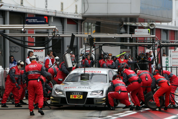 Pit stop for Miguel Molina (ESP), Audi Sport Rookie Team Abt, Audi Bank A4 DTM (2009).