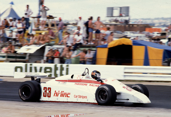 1982 South African Grand Prix.Kyalami, South Africa.13-15 October 1982.Derek Daly (Theodore TY01 Ford) 14th position.Ref-82 SA 36.World Copyright - LAT Photographic