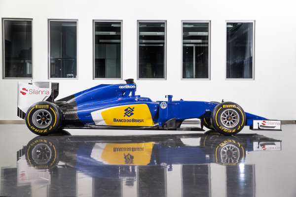 Sauber C34 Reveal. Hinwil, Switzerland. Friday 30 January 2015. The Sauber C34-Ferrari. Photo: Sauber F1 Team (Copyright Free FOR EDITORIAL USE ONLY) ref: Digital Image 20150130_Sauber_C34-Ferrari_Side
