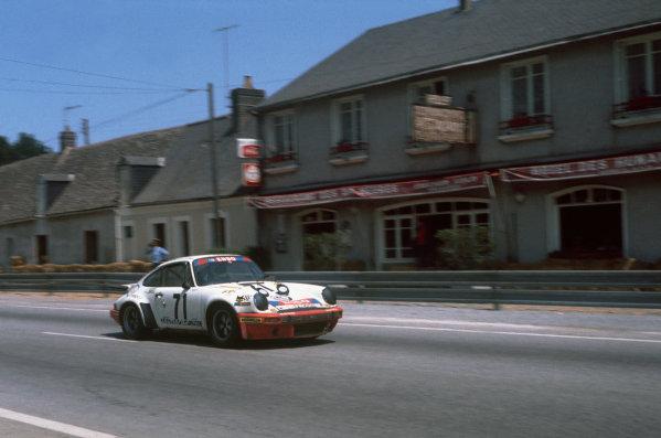 """Le Mans, France. 12 - 13 June 1976.""""Segolen""""/Marcel Ouviere/""""Ladagi"""" (Porsche Carrera), 12th position, action. World Copyright: LAT PhotographicRef: 76LM33."""