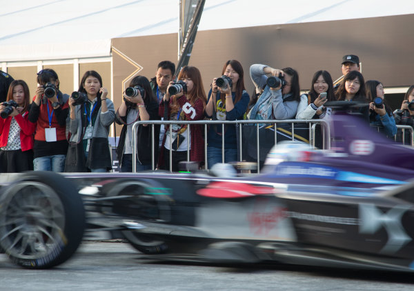 FIA Formula E Championship 2015/16. Beijing ePrix, Beijing, China. Chinese Formula E fans   Beijing, China, Asia. Friday 23 October 2015 Photo:  / LAT / FE ref: Digital Image _L1_3427