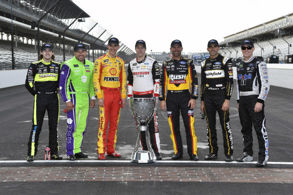 #12: Ryan Blaney, Team Penske, Ford Mustang Wabash National, #6: Ryan Newman, Roush Fenway Racing, Ford Mustang Acorns, #22: Joey Logano, Team Penske, Ford Mustang Shell Pennzoil, #20: Erik Jones, Joe Gibbs Racing, Toyota Camry STANLEY, #14: Clint Bowyer, Stewart-Haas Racing, Ford Mustang Rush / Cummins, #10: Aric Almirola, Stewart-Haas Racing, Ford Mustang Smithfield / Meijer and #4: Kevin Harvick, Stewart-Haas Racing, Ford Mustang Mobil 1