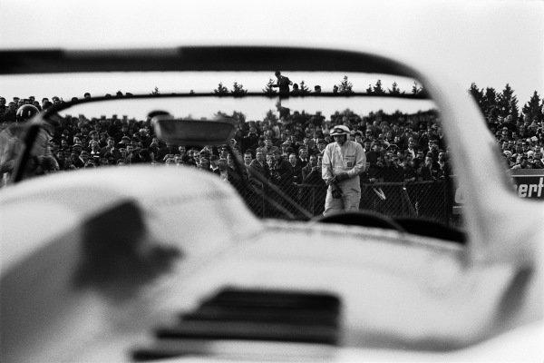 John Surtees, moments before the start.