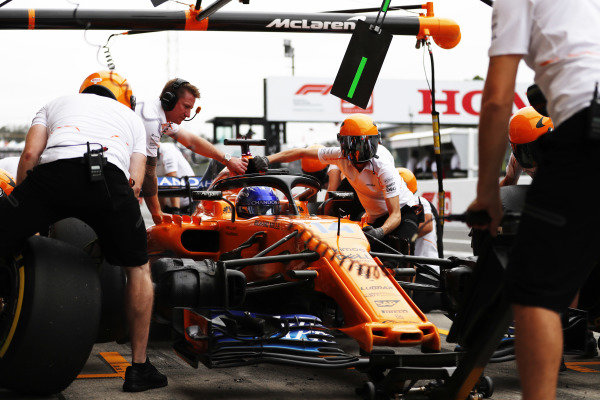 Fernando Alonso, McLaren MCL33, in the pits during practice