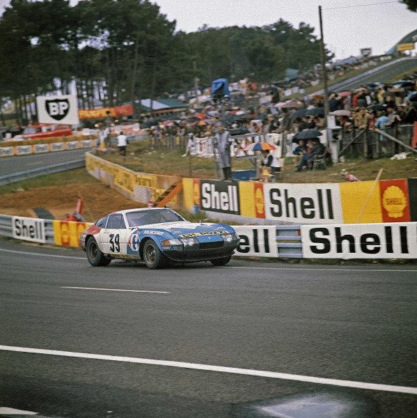 Le Mans, France. 10-11 June 1972 Jean-Claude Andruet/Claude Ballot-Lena (Ferrari 365 GTB/4), 5th position, action. World Copyright: LAT PhotographicRef: 72LMAS72.