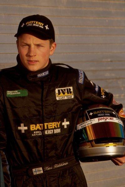 Kimi Raikkonen (FIN) has his first car test.  General Testing, Donington Park, England, 16 December 1998.