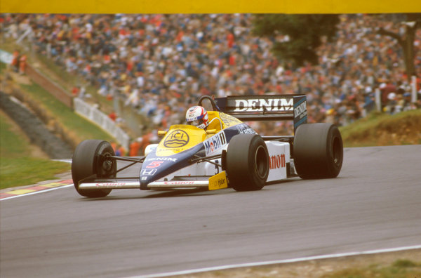 Brands Hatch, England.4-6 October 1985.Nigel Mansell (Williams FW10 Honda) 1st position at Druids Hairpin.Ref-85 EUR 14.World Copyright - LAT Photographic