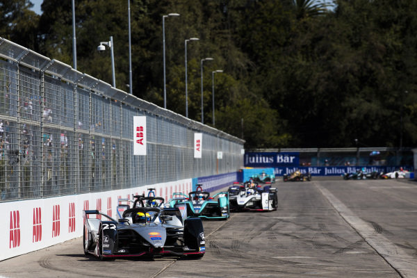 Oliver Rowland (GBR), Nissan e.Dams, Nissan IMO1 leads Felipe Massa (BRA), Venturi Formula E, Venturi VFE05 and Mitch Evans (NZL), Panasonic Jaguar Racing, Jaguar I-Type 3