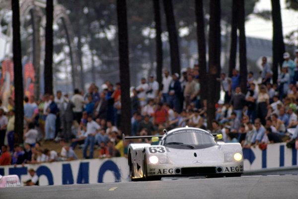 1989 Le Mans 24 Hours Le Mans, France. 10th - 11th June. Jochen Mass/Manuel Reuter/Stanley Dickens (Sauber C9-Mercedes-Benz), 1st position. World Copyright: Murenbeeld/LAT Photographic ref: 35mm Transparency Image