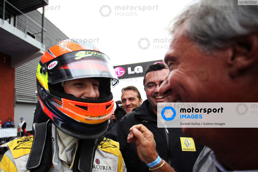 (L to R): Roman Grosjean (FRA) DAMS celebrates his third  position and GP2 Title with Jean-Paul Driot (FRA) DAMS Boss.