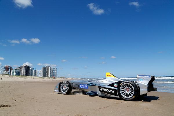 FIA Formula E Test Day. Formula E Car on the beach. Punta Del Este, Uruguay, South America. Formula E Third Race Event, 11th - 14th December 2014. Sunday 14 December 2014.  Photo: Adam Warner/LAT/FE ref: Digital Image _L5R5062