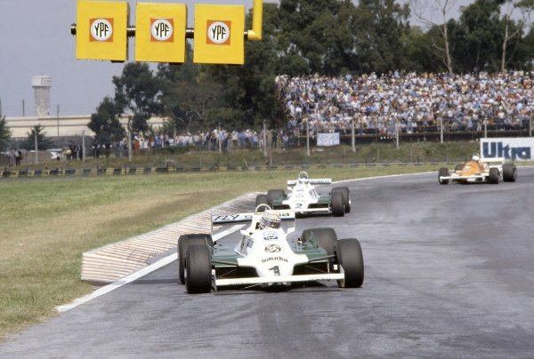 1981 Argentinian Grand Prix.Buenos Aires, Argentina. 10-12 April 1981.Alan Jones leads Carlos Reutemann (both Williams FW07C-Ford Cosworth) and Riccardo Patrese (Arrows A3-Ford Cosworth).World Copyright: LAT PhotographicRef: 35mm transparency 81ARG15