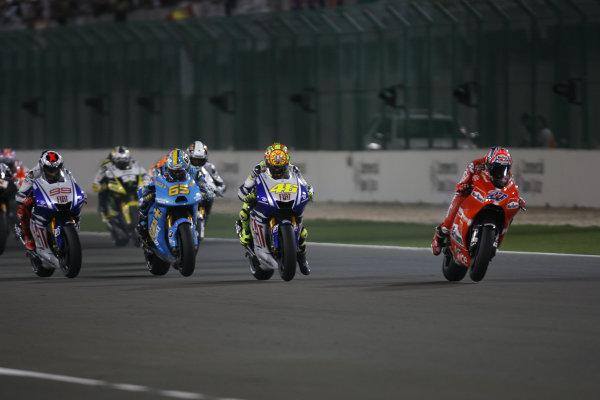 Qatar, Losail International Circuit.10th - 13th April 2009.Start of the MotoGP race and Casey Stoner Marlboro Ducati Team is off to one of his flying starts.World Copyright: Martin Heath/LAT Photographicref: Digital Image BPI_Moto 7o7h