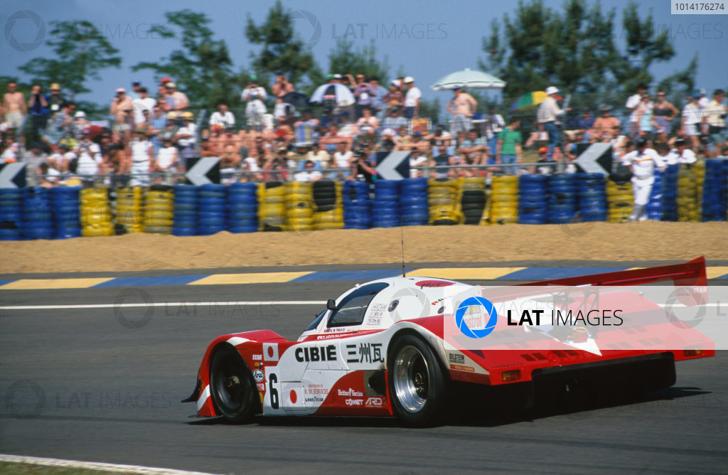 1994 Le Mans 24 Hours. Le Mans, France. 18th - 19th June 1994. Jun Harada/Tomiko Yoshikawa/Masahiko Kondou (Porsche 962 C), Not Classified, action.  World Copyright: LAT Photographic. Ref:  94LM13