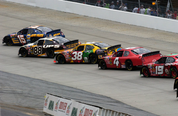 04-06 June, 2004, Dover International Speedway, USA,cars line up during one of the rad flags for track repair,Copyright-Robt LeSieur 2004 USALAT Photographic