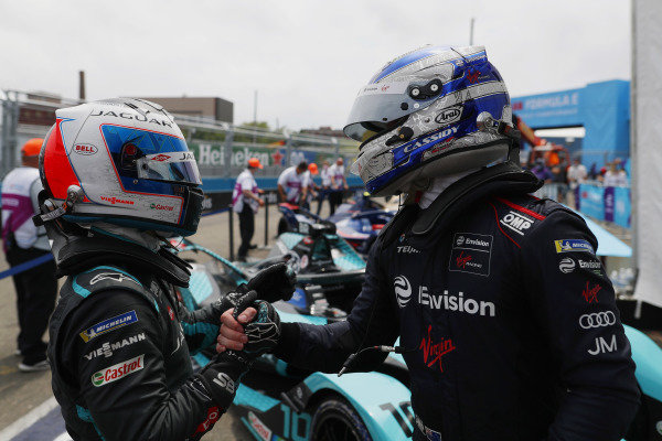 Mitch Evans (NZL), Jaguar Racing, congratulates Sam Bird (GBR), Jaguar Racing, 1st position, in Parc Ferme