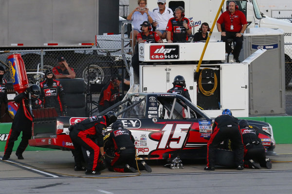 #15: Dylan Lupton, DGR-Crosley, Toyota Tundra Crosley pit stop