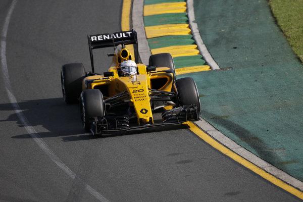 Kevin Magnussen (DEN) Renault Sport F1 Team RS16  at Formula One World Championship, Rd1, Australian Grand Prix, Race, Albert Park, Melbourne, Australia, Sunday 20 March 2016.