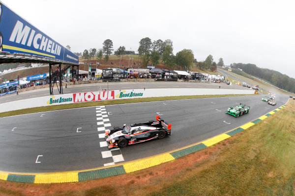IMSA WeatherTech SportsCar Championship Motul Petit Le Mans Road Atlanta, Braselton GA Saturday 7 October 2017 6, ORECA LMP2, P, Helio Castroneves, Simon Pagenaud, Juan Pablo Montoya, Start World Copyright: Michael L. Levitt LAT Images