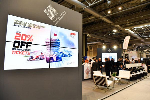 Autosport International Exhibition. National Exhibition Centre, Birmingham, UK. Thursday 11th January 2018. Fans race on the Bahrain International Circuit's simulators.World Copyright: Mark Sutton/Sutton Images/LAT Images Ref: DSC_7597