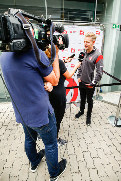Interlagos, Sao Paulo, Brazil. Thursday 09 November 2017. Kevin Magnussen, Haas F1. World Copyright: Andy Hone/LAT Images  ref: Digital Image _ONZ2889