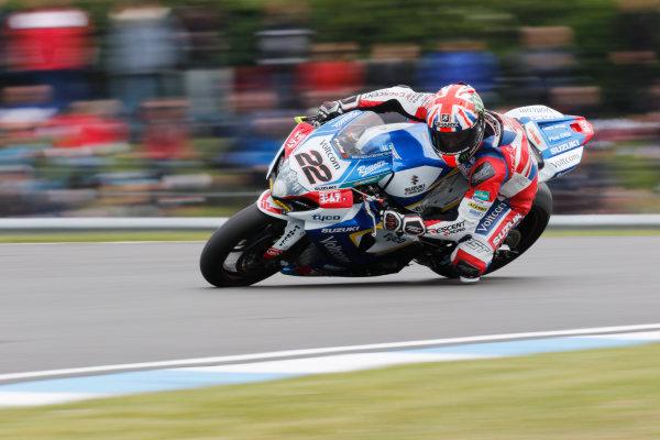 2015 World Superbike Championship.  Donington Park, UK.  23rd - 24th May 2015.  Alex Lowes, Crescent Suzuki.  Ref: KW7_7070a. World copyright: Kevin Wood/LAT Photographic