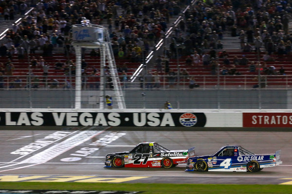 NASCAR Camping World Truck Series Las Vegas 350 Las Vegas Motor Speedway, Las Vegas, NV USA Saturday 30 September 2017 Ben Rhodes, Safelite Auto Glass Toyota Tundra takes the checkered flag World Copyright: Russell LaBounty LAT Images