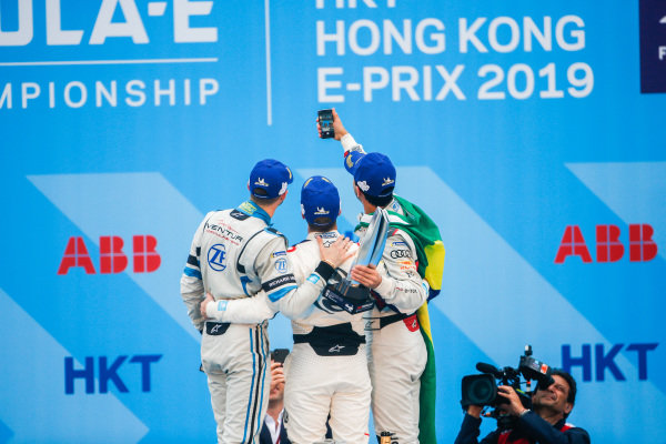 Lucas Di Grassi (BRA), Audi Sport ABT Schaeffler, 3rd position, takes a podium selfie with race winner Sam Bird (GBR), Envision Virgin Racing and Edoardo Mortara (CHE) Venturi Formula E, 2nd position
