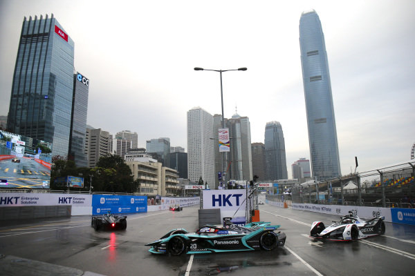 Mitch Evans (NZL), Panasonic Jaguar Racing, Jaguar I-Type 3 leads Jose Maria Lopez (ARG), GEOX Dragon Racing, Penske EV-3