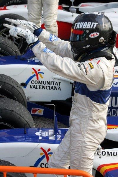 Vitaly Petrov (RUS) Campos Grand Prix celebrates his win. GP2 Series, Rd 11, Race One, Valencia, Spain, Saturday 29 September 2007.