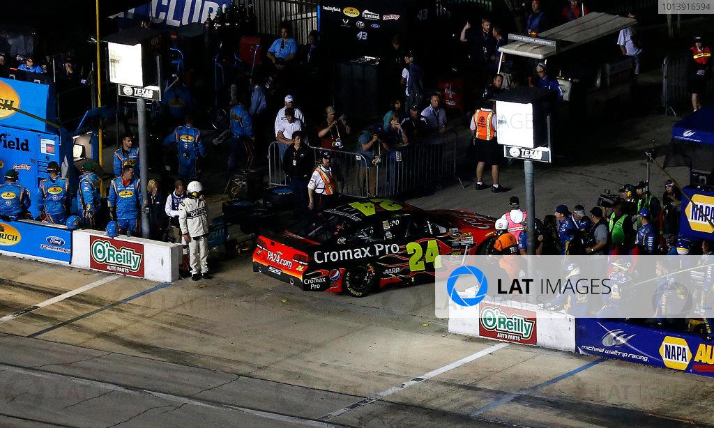 11-13 April, 2013, Fort Worth, Texas, USA Jeff Gordon retires and pulls into the garage © 2013, Michael L. Levitt LAT Photo USA.