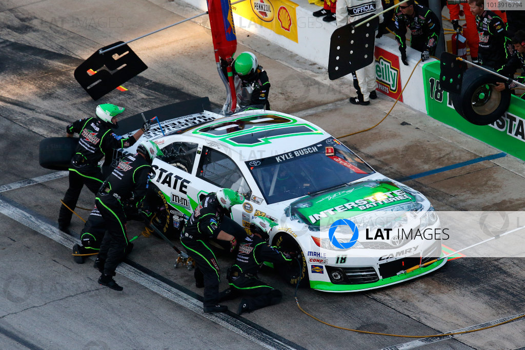 11-13 April, 2013, Fort Worth, Texas, USA Kyle Busch pit stop © 2013, Michael L. Levitt LAT Photo USA.