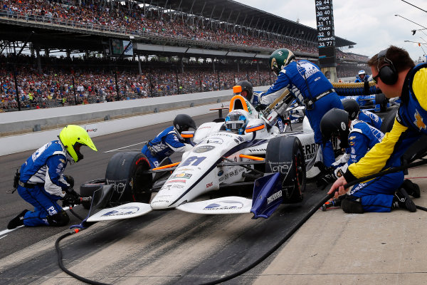 Verizon IndyCar Series Indianapolis 500 Race Indianapolis Motor Speedway, Indianapolis, IN USA Sunday 28 May 2017 JR Hildebrand, Ed Carpenter Racing Chevrolet makes a pit stop World Copyright: Russell LaBounty LAT Images