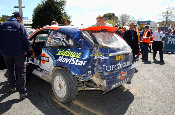 Carlos Sainz (ESP), his Ford Focus RS WRC showing signs of contact with a tree. 