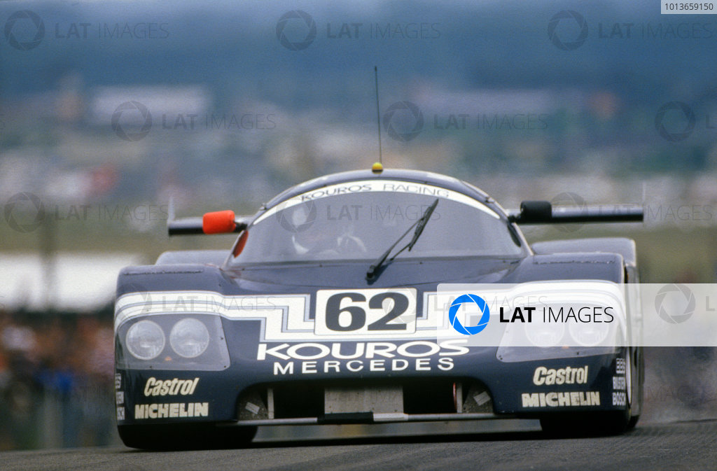Le Mans, France. 10th - 11th June 1987. Johnny Dumfries/Chip Ganassi/Mike Thackwell (Sauber C9 Mercedes), retired, action.   World Copyright: LAT Photographic. Ref:  87LM13