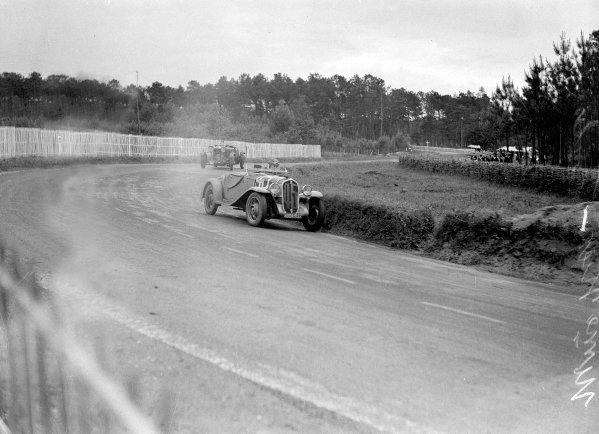 "Le Mans, France. 15-16 June 1935.Mme Anne-Rose Itier/Robert Jacob (Fiat 508S ""Ballila"") leads John Hindmarsh/Luis Fontes (Lagonda Rapide). Hindmarsh/Fontes finished in 1st position.Ref-Motor 800/98.World Copyright - LAT Photographic"