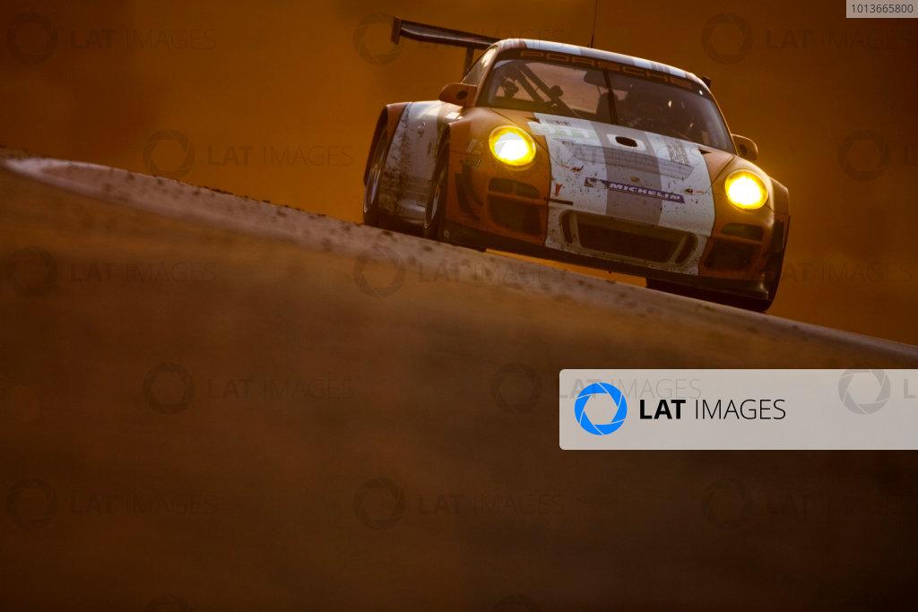 American Le Mans Series. Laguna Seca, Monterey, California. 15th - 17th September 2011. Romain Dumas / Richard Lietz, Porsche Motorsports North America, Porsche GT3R Hybrid. Action. Photo: Drew Gibson/LAT Photographic. ref: Digital Image _Y2Z7117