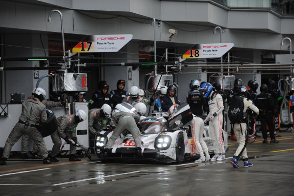 2015 FIA World Endurance Championship, Fuji, Japan 11th-12th October 2015, Romain Dumas / Neel Jani / Marc Lieb Porsche Team Porsche 919 Hybrid  World copyright. Jakob Ebrey/LAT Photographic