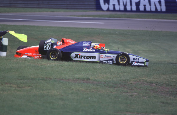 International Formula 3000 Championship Nurburgring, Germany. 19th - 20th May 2000 Two more casualties of the race World - Bellanca/LAT Photographic