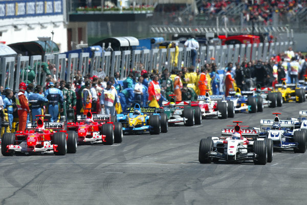 2004 San Marino Grand Prix-Sunday Race,Imola, Italy. 25 April 2004.The grid gets ready to take off on the Warm up lap.World Copyright: LAT Photographic.Ref: Digital Image only.