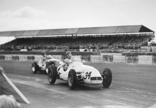 1952 British Grand Prix.Silverstone, Great Britain. 19 July 1952.Gino Bianco (Maserati A6GCM) leads Dennis Poore (Connaught A-type-Lea-Francis).World Copyright - LAT Photographic