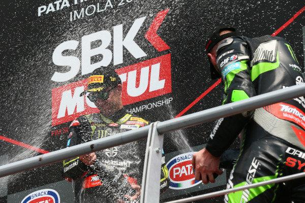 Podium: race winner Jonathan Rea, Kawasaki Racing, third place Tom Sykes, Kawasaki Racing.