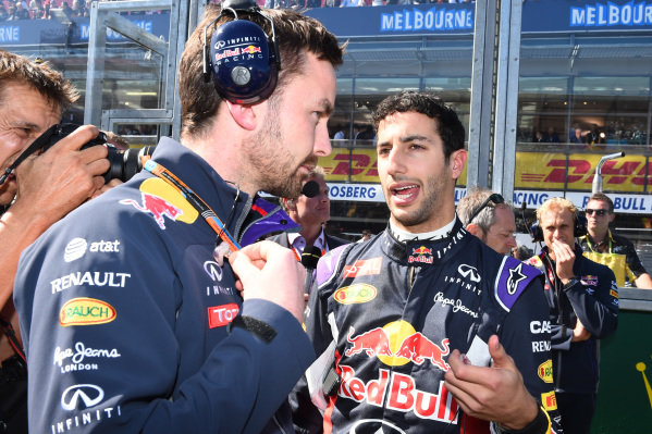 Daniel Ricciardo (AUS) Red Bull Racing and Simon Rennie (GBR) Red Bull Racing Race Engineer on the grid at Formula One World Championship, Rd1, Australian Grand Prix, Race, Albert Park, Melbourne, Australia, Sunday 15 March 2015.